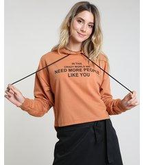 """blusão feminino em moletom felpado """"people like you"""" com capuz caramelo"""
