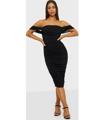 nly one goddess off shoulder dress fodralklänningar