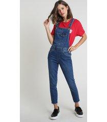 jardineira jeans feminina com bolsos azul escuro