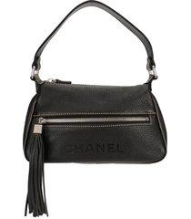 chanel pre-owned 2002 tassel cc handbag - black