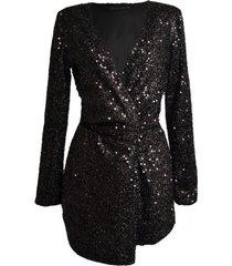 sukienka z czarnymi cekinami