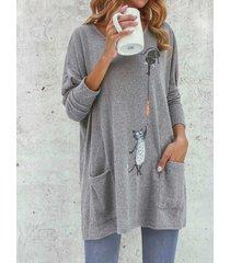 camicetta allentata a maniche lunghe con tasche con stampa gatto dei cartoni animati per le donne