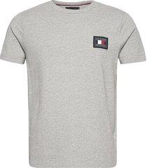 icon essentials tee t-shirts short-sleeved grå tommy hilfiger