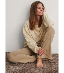 na-kd trend stickad tröja - beige