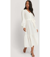 na-kd boho structured tie waist dress - white