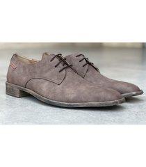 zapato marrón brooksfield leeds