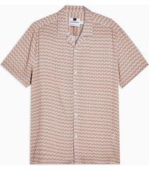 mens pink geometric print revere shirt