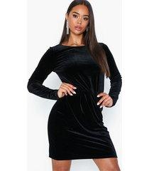 vila viminny velvet l/s detail dress - f fodralklänningar