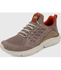 tenis training beige skechers relaxed fit: ingram - streetway