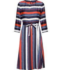 d1. preppy stripe flared dress knälång klänning multi/mönstrad gant