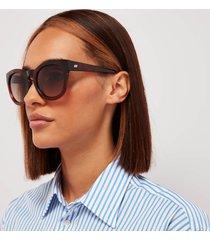 le specs women's jealous games round sunglasses - toffee tort