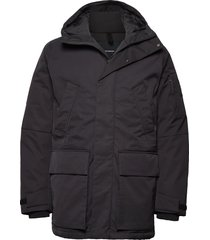 ground pa parka jacka svart peak performance