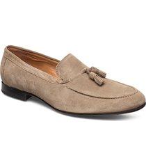 rob loafers låga skor beige playboy footwear