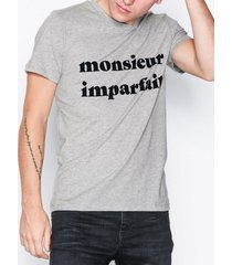 selected homme slhlyon ss o-neck tee w ex t-shirts & linnen ljus grå