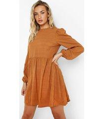 gesmokte jurk met lange mouwen en textuur, camel