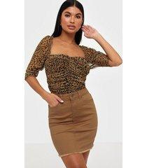 pieces pcaia mw coloured skirt-vi/cp minikjolar