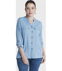 blusa manga larga con botones y bolsillos azul curvi