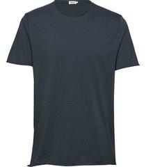 m. roll neck tee t-shirts short-sleeved svart filippa k