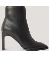 na-kd shoes boots med fyrkantig, lutande tå - black