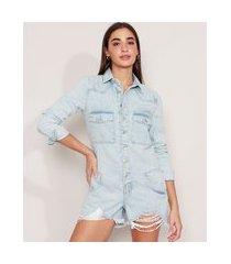 macaquinho jeans com bolsos e botões barra desfiada manga longa azul claro