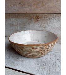ceramiczna misa rzeźbiona ręcznie