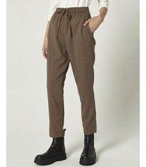 pantalón marrón portsaid sastrero relax sanzio