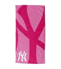 "northwest company new york yankees 30x60 ""pink lockup"" beach towel"