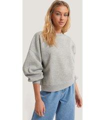 annais x na-kd oversize tröja - grey
