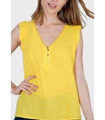 blusa io vuelos y botones amarillo - calce holgado