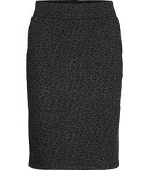 sc-aisha knälång kjol svart soyaconcept
