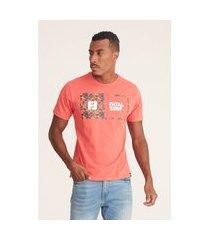 camiseta fatal estampada laranja
