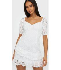 nly trend dreamy embroidery dress skater dresses