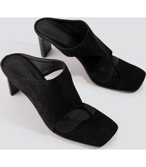 na-kd shoes asymmetric toe strap sandals - black