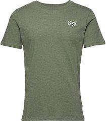 alder knowledge 1969 tee - gots/veg t-shirts short-sleeved grön knowledge cotton apparel