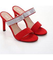 sandalia roja heyas carian