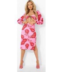 bloemen crop top met hartvormige hals en midi rok, pink
