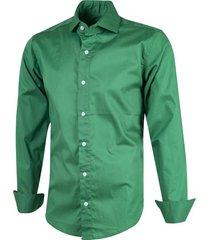camisa verde outside tokyo