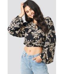 na-kd balloon sleeve flower blouse - black