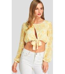 top corto anudado con estampado floral recortado amarillo