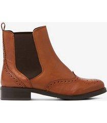 boots brogue