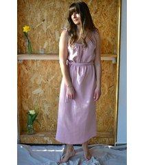 sukienka maxi wiązana z muśliny pudrowy róż