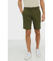 lyle & scott chino short shorts green