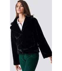 hannalicious x na-kd wide sleeve faux fur jacket - black
