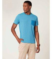 camiseta slim com bolso malwee azul claro - pp