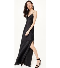 raven gown black
