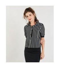 camisa feminina cropped listrada com bolso manga curta preta