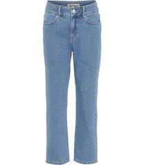 yuki jeans