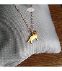 wilk - złocony wisiorek na łańcuszku