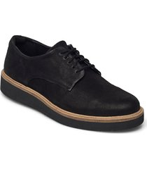 baille stitch snörade skor låga svart clarks