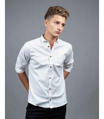 camisa blanca waiting boys fantasía lunares